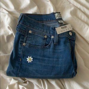 NWT Jcrew slim broken in boyfriend daisy jeans